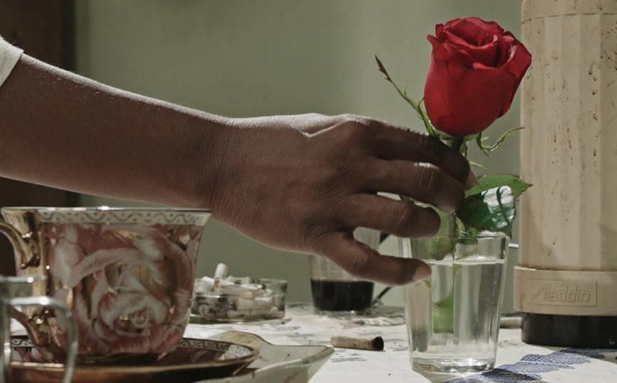 """Cena do filme """"Café com Canela""""."""
