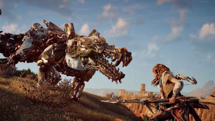 Imagem de Aloy enfrentando um tigre-de-dente-de-sabre, versão máquina.