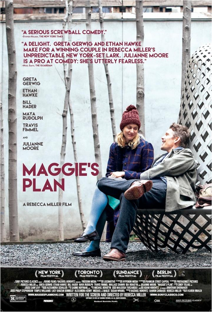 Cartaz do filme Maggie's Plan. Nele, um homem e uma mulher com casacos de frio estão sentados conversando e rindo.