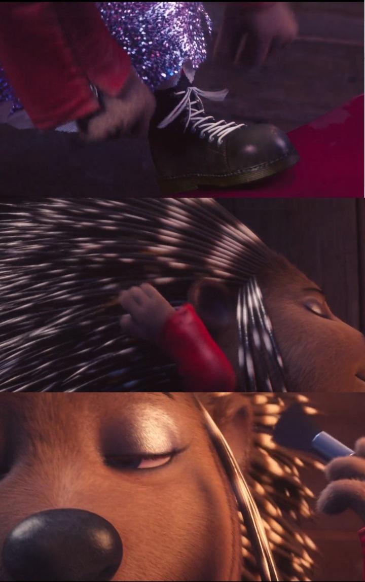Três imagens de Ash se arrumando para o show